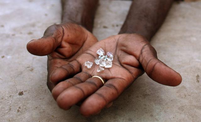 lot de diamants bruts