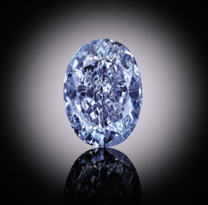 Dediamant bleu de Beers Millennium Jewel 4